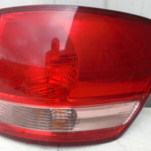 2000-2002 TOYOTA AVENSIS VERSO O/S/R DRIVERS REAR LIGHT CLUSTER
